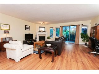 """Photo 4: 22 795 NOONS CREEK Drive in Port Moody: North Shore Pt Moody Townhouse for sale in """"HERITAGE TERRACE"""" : MLS®# V981692"""