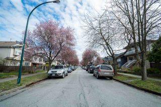 "Photo 10: 2504 NAPIER Street in Vancouver: Renfrew VE House for sale in ""RENFREW"" (Vancouver East)  : MLS®# R2449289"