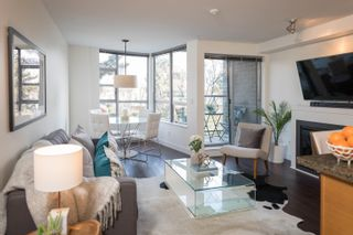 """Photo 2: 1 1250 W 6TH Avenue in Vancouver: Fairview VW Townhouse for sale in """"Silver"""" (Vancouver West)  : MLS®# R2624702"""