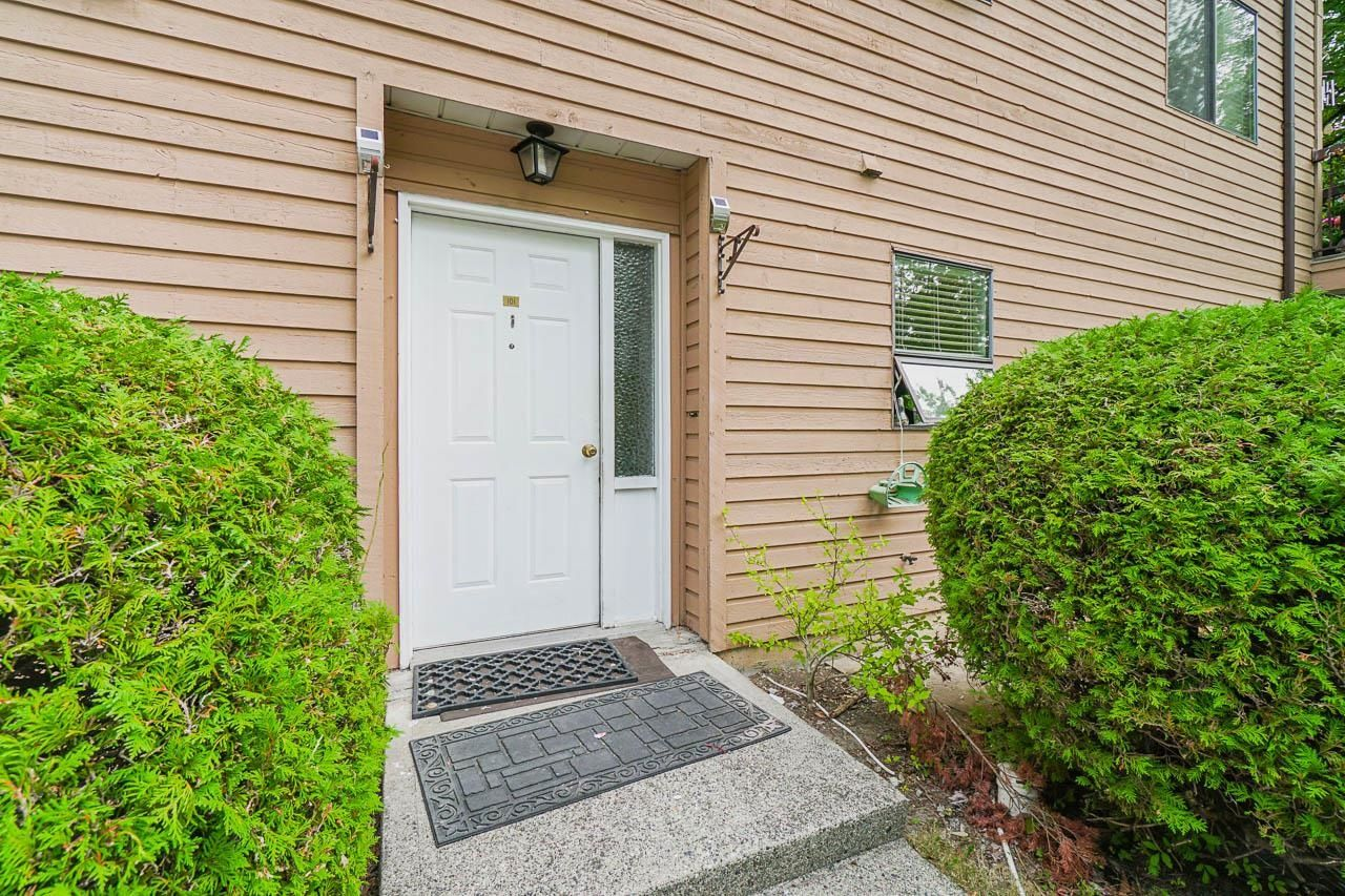 "Main Photo: 101 13316 71B Avenue in Surrey: West Newton Townhouse for sale in ""Sun Creek"" : MLS®# R2611543"