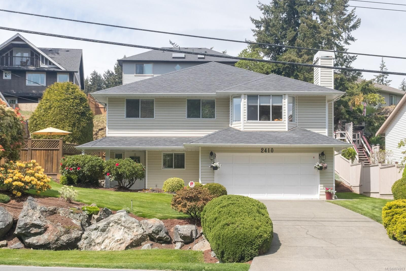 Main Photo: 2410 Setchfield Ave in Langford: La Florence Lake House for sale : MLS®# 874903