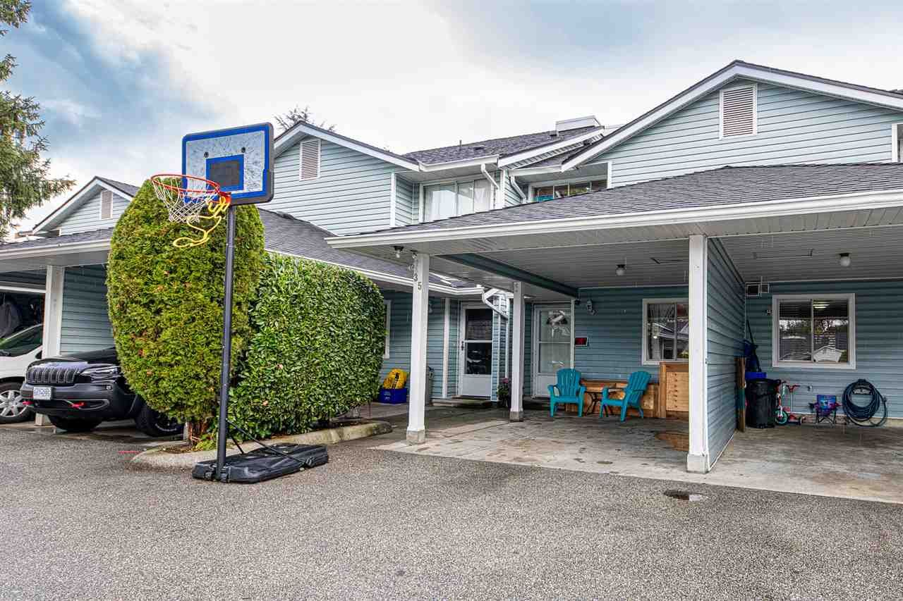 """Main Photo: 35 22411 124 Avenue in Maple Ridge: East Central Townhouse for sale in """"Creekside Village"""" : MLS®# R2404347"""