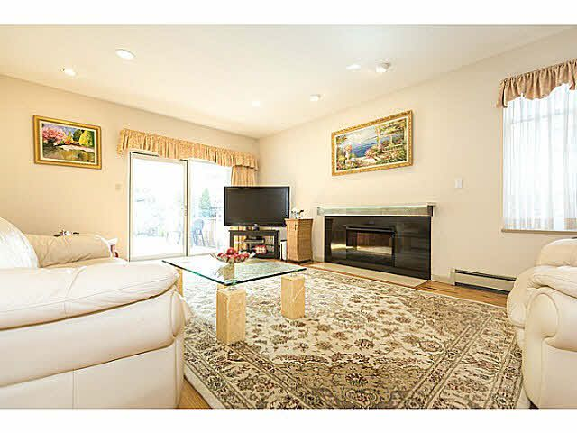 """Photo 11: Photos: 5825 MAPLE Street in Vancouver: Kerrisdale House for sale in """"KERRISDALE"""" (Vancouver West)  : MLS®# V1113298"""
