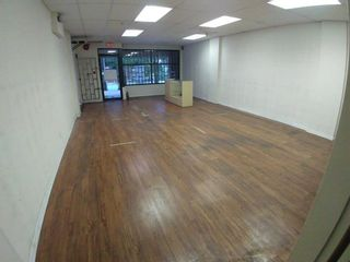 Photo 6: 104 E 3RD Street in North Vancouver: Lower Lonsdale Retail for sale : MLS®# C8039497