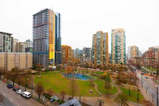 "Photo 23: 706 1199 SEYMOUR Street in Vancouver: Downtown VW Condo for sale in ""BRAVA"" (Vancouver West)  : MLS®# R2531853"