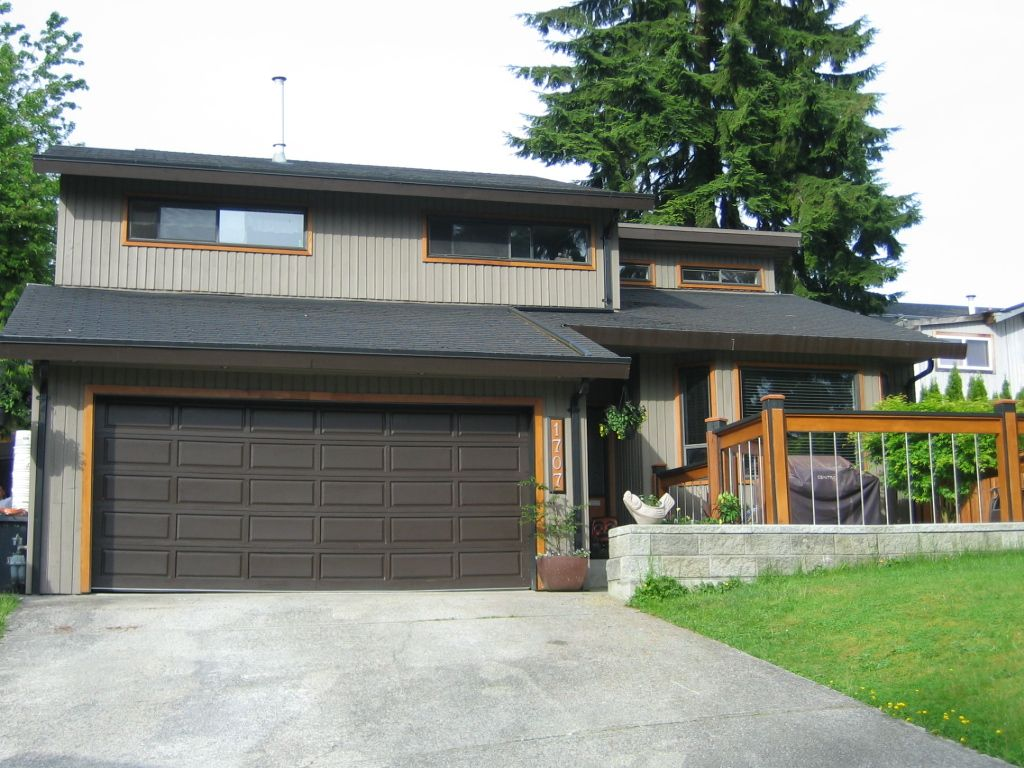 "Main Photo: 1707 HEATHER Place in Port Moody: Mountain Meadows House for sale in ""Mountain Meadows"" : MLS®# V1064963"