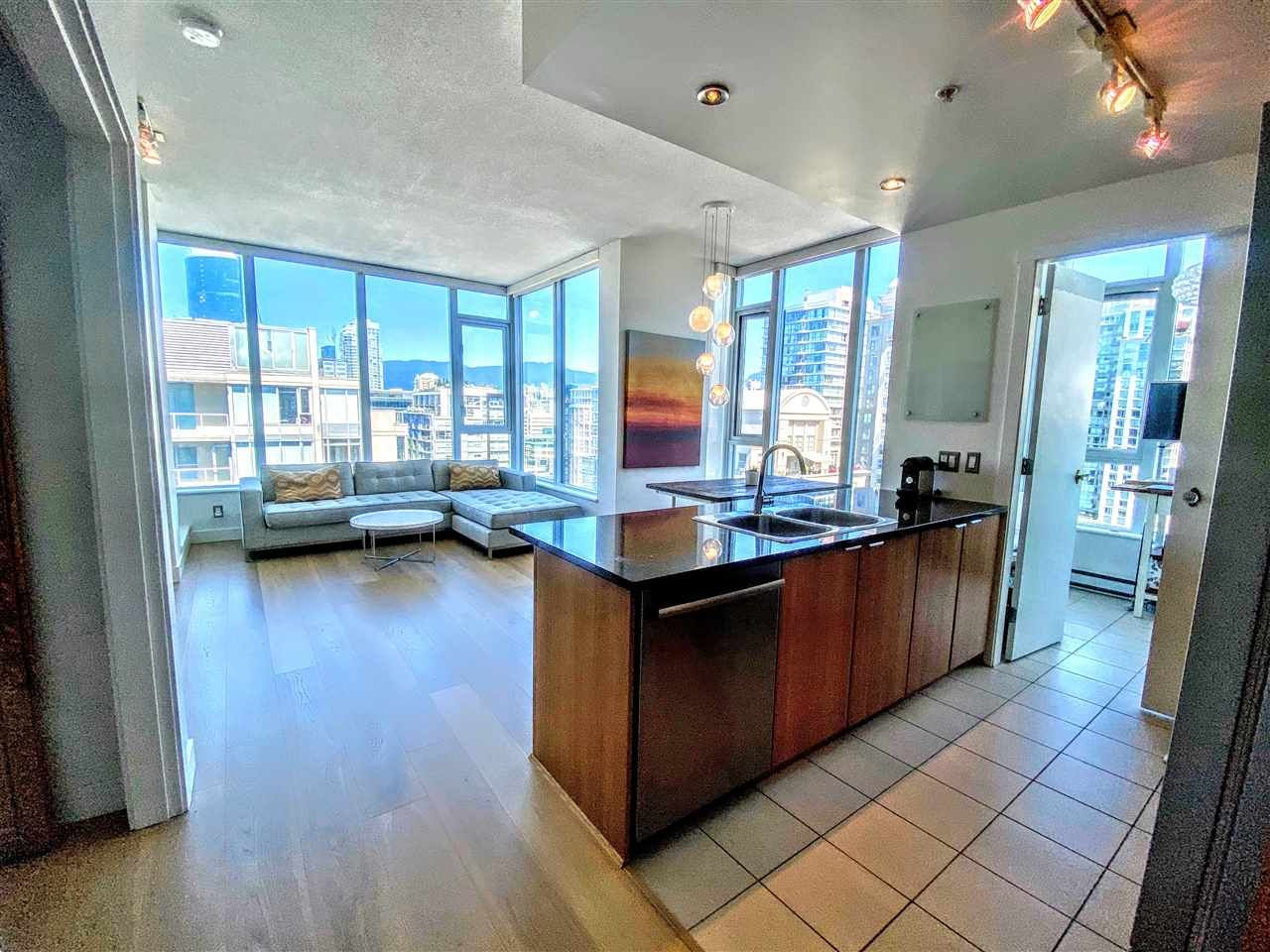 "Main Photo: PH2401 1010 RICHARDS Street in Vancouver: Yaletown Condo for sale in ""THE GALLERY"" (Vancouver West)  : MLS®# R2498796"