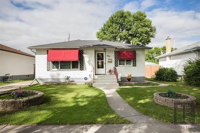 Main Photo: 505 Enniskillen Avenue in Winnipeg: West Kildonan Residential for sale (4D)  : MLS®# 1822731