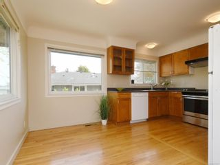 Photo 4: 355 Windermere Pl in : Vi Fairfield East Half Duplex for sale (Victoria)  : MLS®# 874253