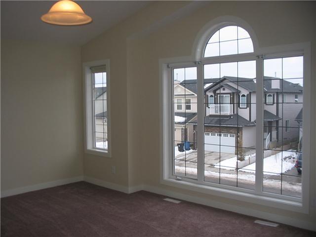 Photo 8: Photos: 106 TARALAKE Way NE in CALGARY: Taradale Residential Detached Single Family for sale (Calgary)  : MLS®# C3546779