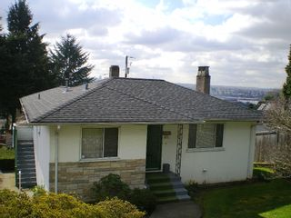 Photo 12: 909 E Keith Rd. in North Vancouver: Calverhall House for sale : MLS®# V884429