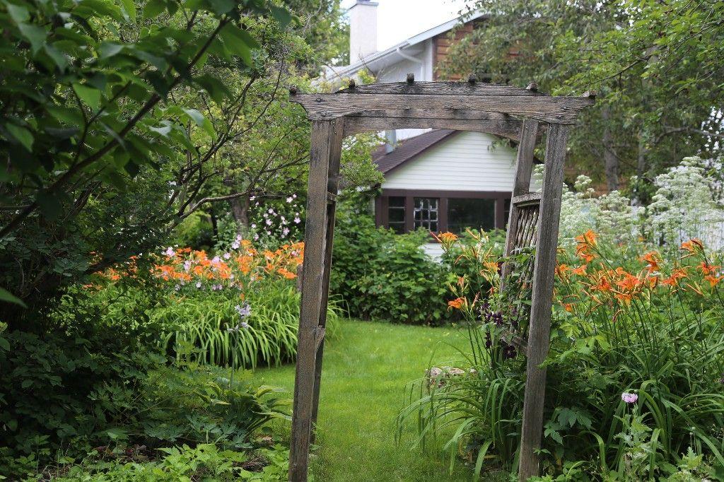 Photo 46: Photos: 154 Douglas Park Road in Winnipeg: Bruce Park/ St. James Single Family Detached for sale (West Winnipeg)  : MLS®# 1519811