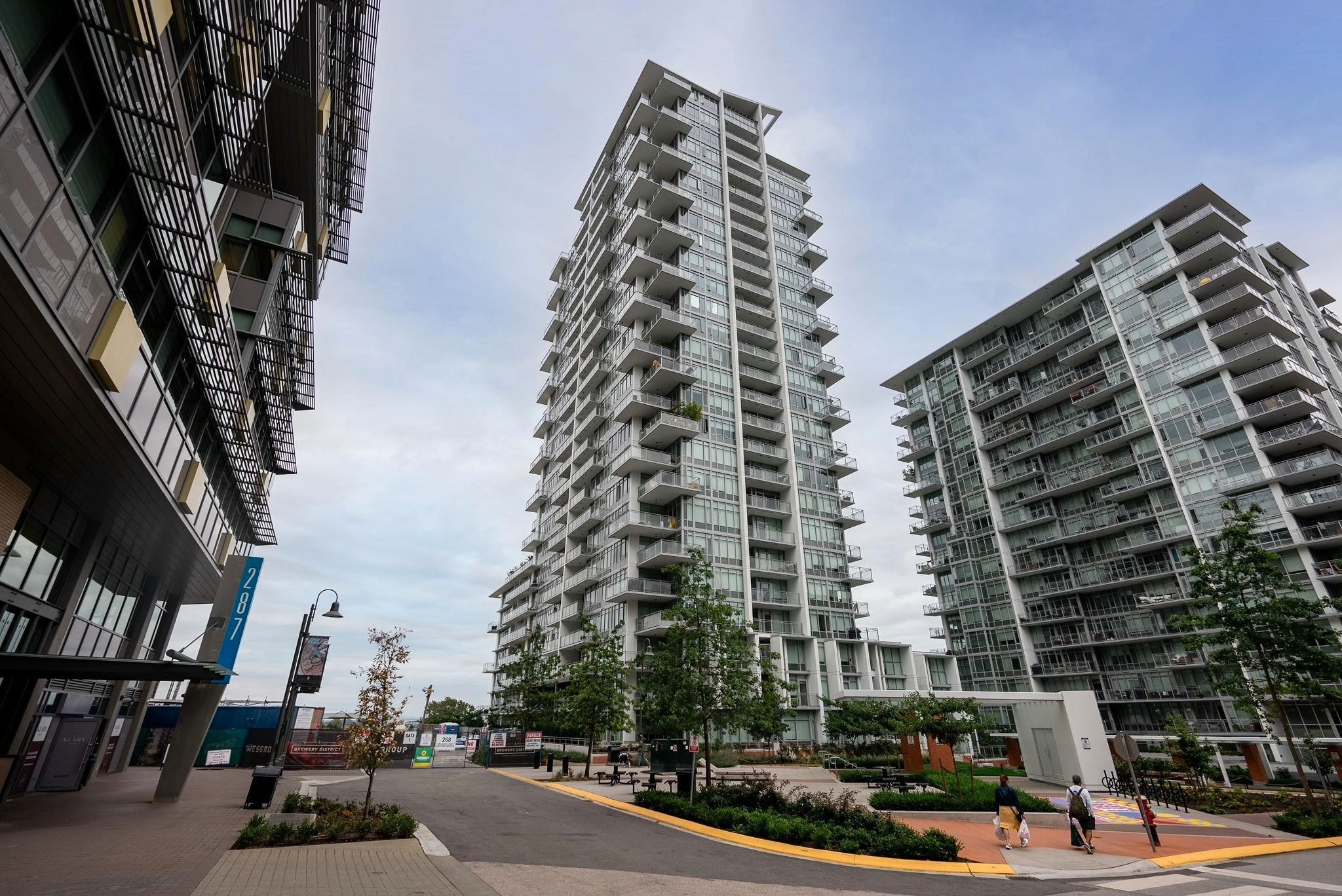 """Main Photo: 1703 258 NELSON'S Court in New Westminster: Sapperton Condo for sale in """"The Columbia"""" : MLS®# R2615050"""