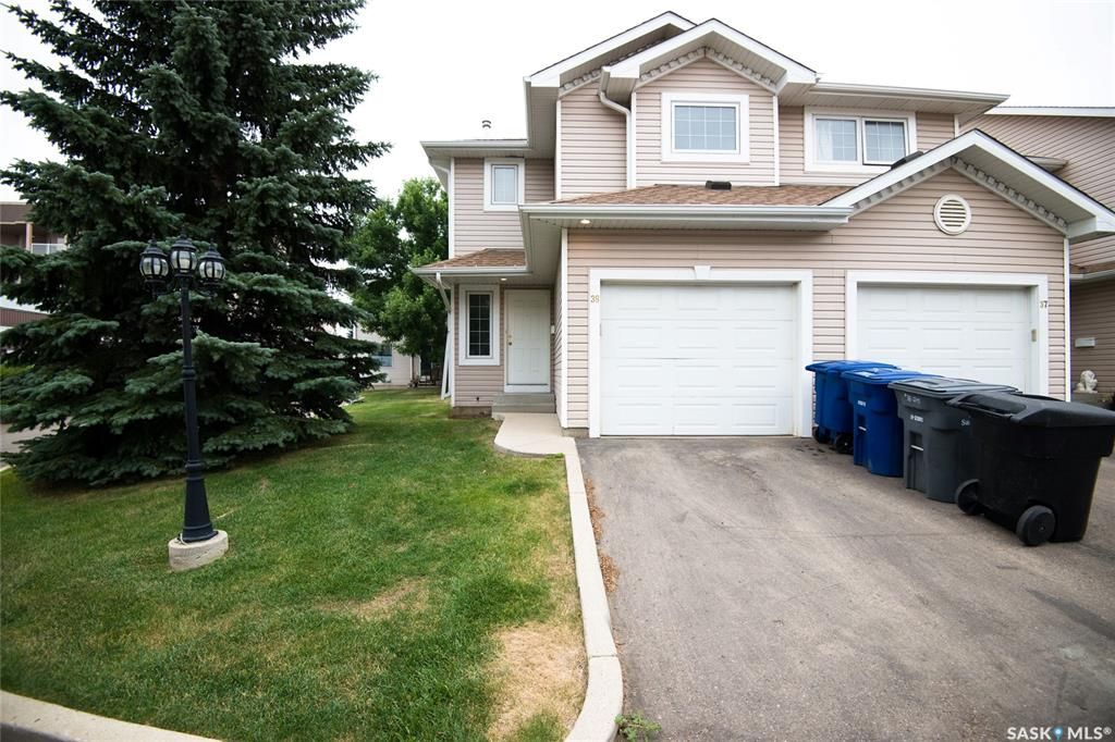 Main Photo: 38 215 Pinehouse Drive in Saskatoon: Lawson Heights Residential for sale : MLS®# SK864453
