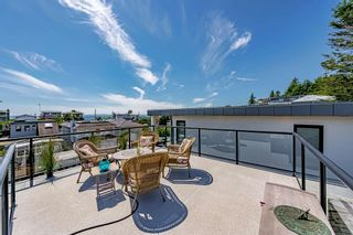 """Photo 31: 15580 COLUMBIA Avenue: White Rock House for sale in """"White Rock"""" (South Surrey White Rock)  : MLS®# R2599459"""