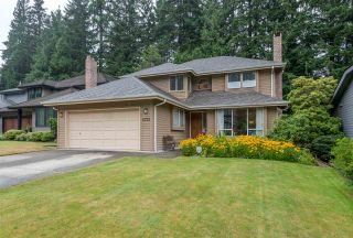 """Photo 1: 4722 UNDERWOOD Avenue in North Vancouver: Lynn Valley House for sale in """"Timber Ridge"""" : MLS®# R2401489"""