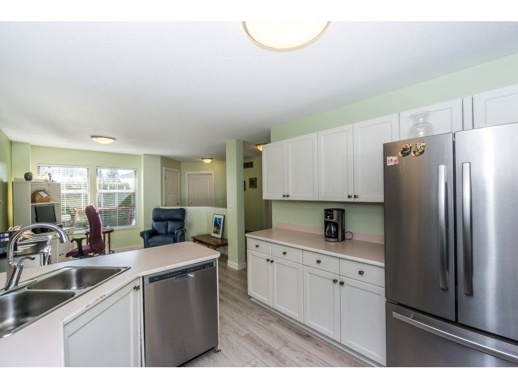"""Photo 9: Photos: 72 21928 48 Avenue in Langley: Murrayville Townhouse for sale in """"Murray Glen"""" : MLS®# R2229327"""