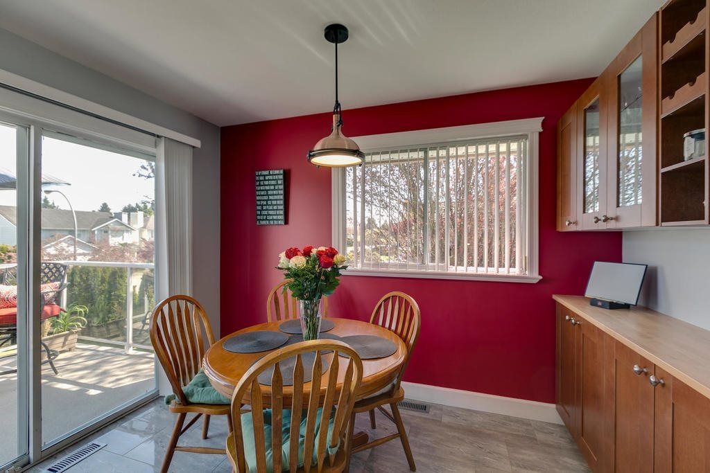 """Photo 13: Photos: 12403 188 Street in Pitt Meadows: West Meadows House for sale in """"HIGHLAND PARK AREA"""" : MLS®# R2261078"""