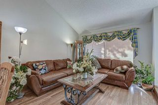 Photo 3: 7 Strandell Crescent SW in Calgary: Strathcona Park Detached for sale : MLS®# A1150531