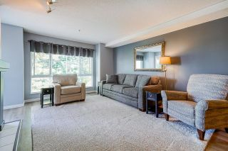 """Photo 15: 233 19528 FRASER Highway in Surrey: Cloverdale BC Condo for sale in """"Fairmont On The Boulevard"""" (Cloverdale)  : MLS®# R2615595"""