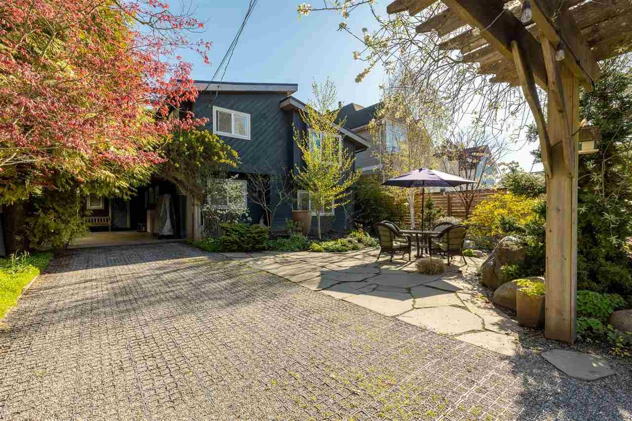 Main Photo: 12259 GILLEY STREET in Surrey: Crescent Bch Ocean Pk. House for sale (South Surrey White Rock)  : MLS®# R2569841