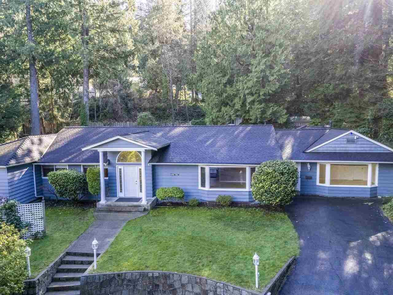 Main Photo: 5488 GREENLEAF Road in West Vancouver: Eagle Harbour House for sale : MLS®# R2543144