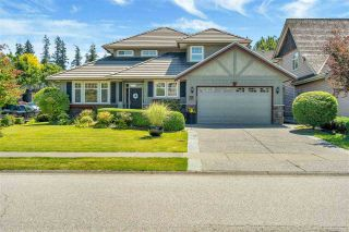 """Photo 1: 15446 37A Avenue in Surrey: Morgan Creek House for sale in """"ROSEMARY HEIGHTS"""" (South Surrey White Rock)  : MLS®# R2475053"""