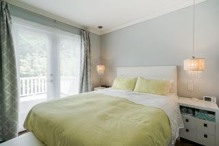 """Photo 14: 850 PARKER Street: White Rock House for sale in """"EAST BEACH"""" (South Surrey White Rock)  : MLS®# R2587340"""