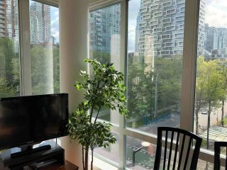 """Photo 9: 501 910 BEACH Avenue in Vancouver: Yaletown Condo for sale in """"910 BEACH"""" (Vancouver West)  : MLS®# R2584313"""