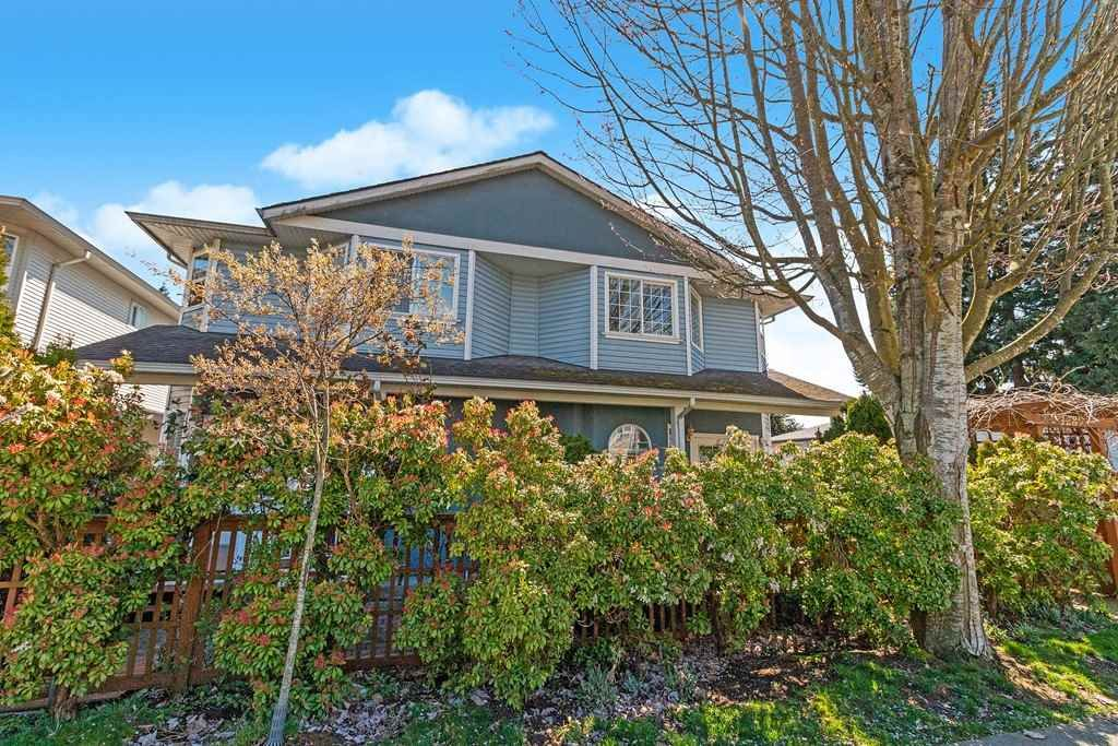 Main Photo: 1287 W 16TH Street in North Vancouver: Norgate Townhouse for sale : MLS®# R2565554