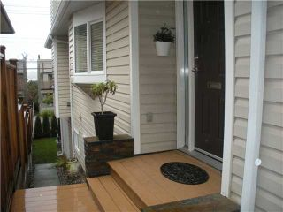 Photo 3: 211 E 4TH Street in North Vancouver: Lower Lonsdale Townhouse for sale : MLS®# V865398