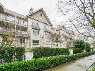 """Photo 2: 202 333 E 1ST Street in North Vancouver: Lower Lonsdale Condo for sale in """"Vista West"""" : MLS®# R2554651"""