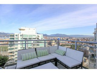 """Photo 15: 2206 120 MILROSS Avenue in Vancouver: Mount Pleasant VE Condo for sale in """"THE BRIGHTON"""" (Vancouver East)  : MLS®# V1108623"""