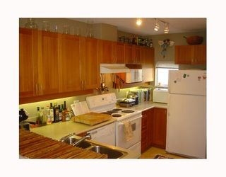 """Photo 7: 3727 W 10TH Ave in Vancouver: Point Grey Townhouse for sale in """"THE FOLKSTONE"""" (Vancouver West)  : MLS®# V644591"""