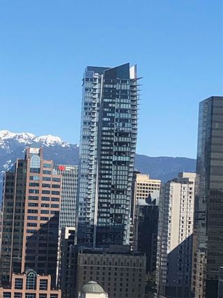 """Photo 20: 2007 1050 BURRARD Street in Vancouver: Downtown VW Condo for sale in """"Wall Centre"""" (Vancouver West)  : MLS®# R2324699"""