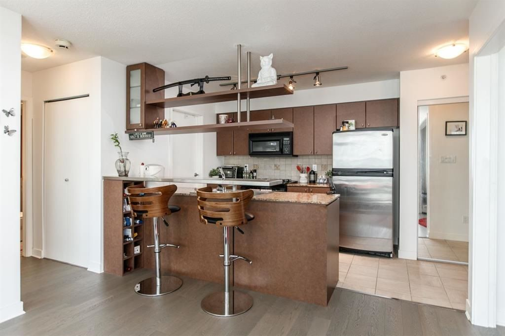 """Photo 6: Photos: 1105 1438 RICHARDS Street in Vancouver: Yaletown Condo for sale in """"AZURA 1"""" (Vancouver West)  : MLS®# R2109141"""