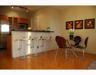 """Photo 5: 404 1688 CYPRESS Street in Vancouver: Kitsilano Condo for sale in """"YORKVILLE SOUTH"""" (Vancouver West)  : MLS®# V797521"""