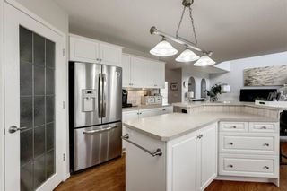 Photo 17: 70 ROYAL CREST Way NW in Calgary: Royal Oak Detached for sale : MLS®# C4237802