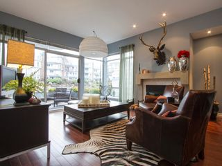 """Photo 3: 1592 ISLAND PARK Walk in Vancouver: False Creek Townhouse for sale in """"LAGOONS"""" (Vancouver West)  : MLS®# V1099043"""