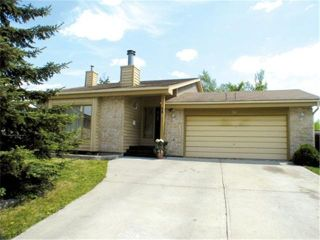 FEATURED LISTING: 28 Evesham Key Winnipeg