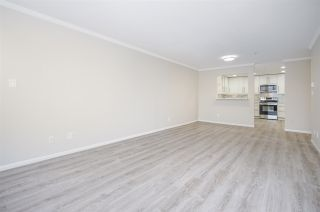 """Photo 4: 421 2626 COUNTESS Street in Abbotsford: Abbotsford West Condo for sale in """"The Wedgewood"""" : MLS®# R2363114"""