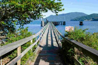 Photo 1: 1229 POINT Road in Gibsons: Gibsons & Area House for sale (Sunshine Coast)  : MLS®# R2572392