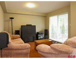 """Photo 6: 67 20760 DUNCAN WY in Langley: Langley City Townhouse for sale in """"Wyndham Lane"""" : MLS®# F2618219"""
