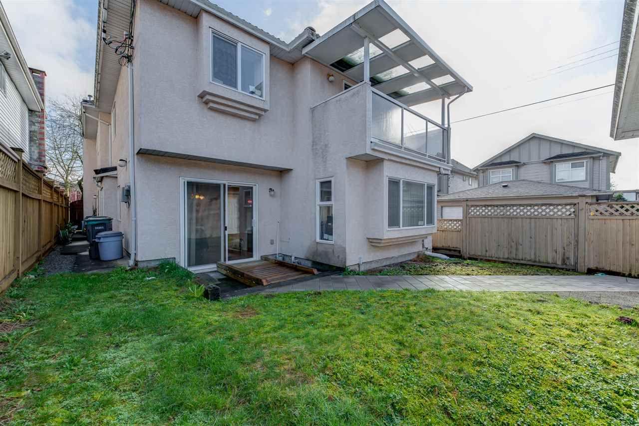 Photo 4: Photos: 8573 LAUREL Street in Vancouver: Marpole 1/2 Duplex for sale (Vancouver West)  : MLS®# R2036216