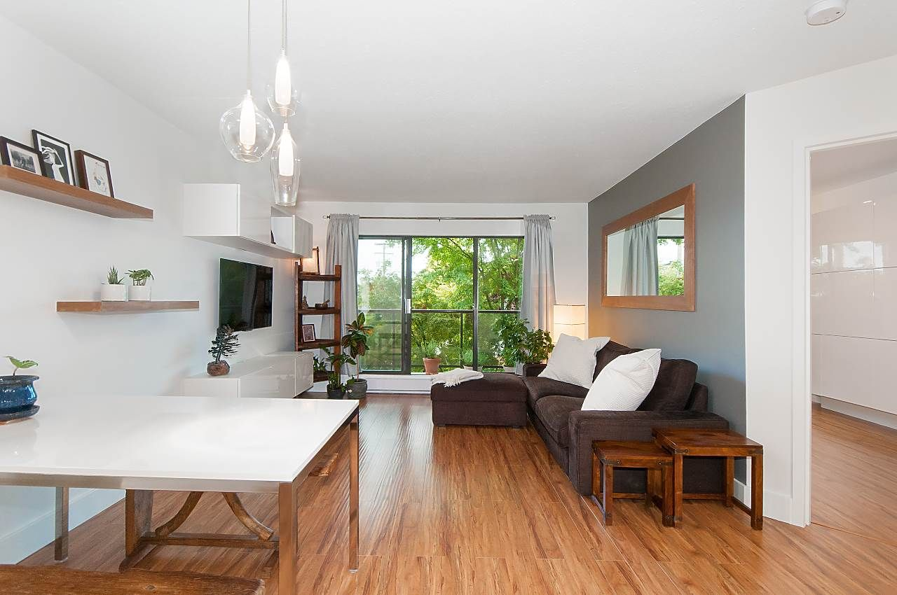 Main Photo: 301 2222 PRINCE EDWARD Street in Vancouver: Mount Pleasant VE Condo for sale (Vancouver East)  : MLS®# R2309265