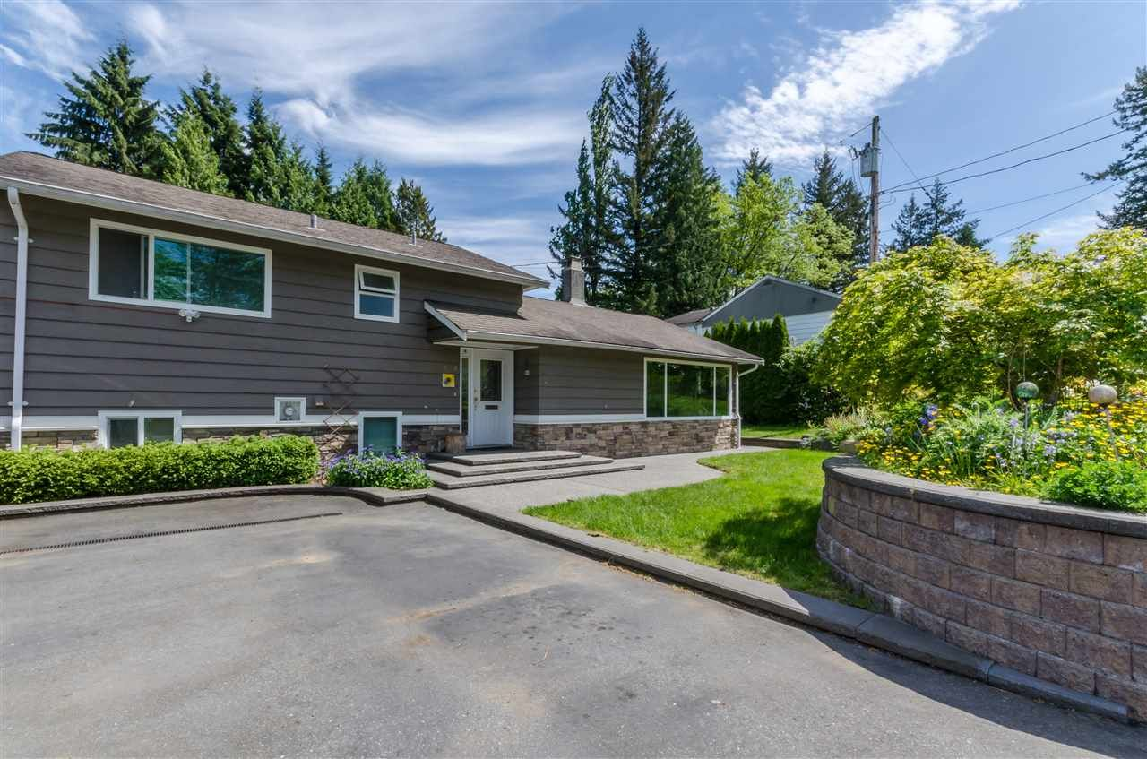 Photo 3: Photos: 1939 EASTERN Drive in Port Coquitlam: Mary Hill House for sale : MLS®# R2516960
