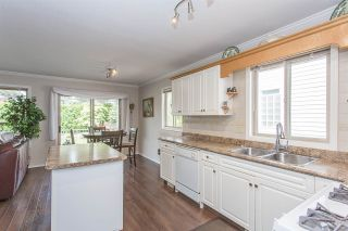 "Photo 3: 44389 ELSIE Place in Chilliwack: Sardis West Vedder Rd House for sale in ""Petersburg"" (Sardis)  : MLS®# R2564238"