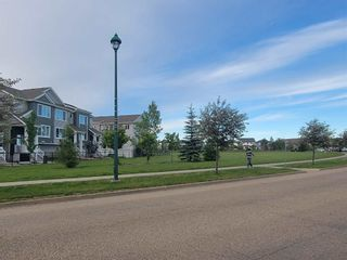 Photo 2: 34 2121 HADDOW Drive in Edmonton: Zone 14 Townhouse for sale : MLS®# E4250446