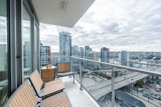 """Photo 8: 2207 1351 CONTINENTAL Street in Vancouver: Downtown VW Condo for sale in """"MADDOX"""" (Vancouver West)  : MLS®# R2040078"""