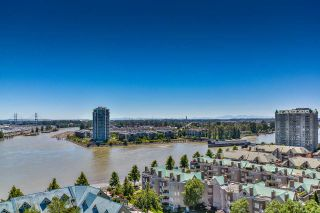 "Photo 3: 1704 1065 QUAYSIDE Drive in New Westminster: Quay Condo for sale in ""QUAYSIDE TOWER II"" : MLS®# R2181912"